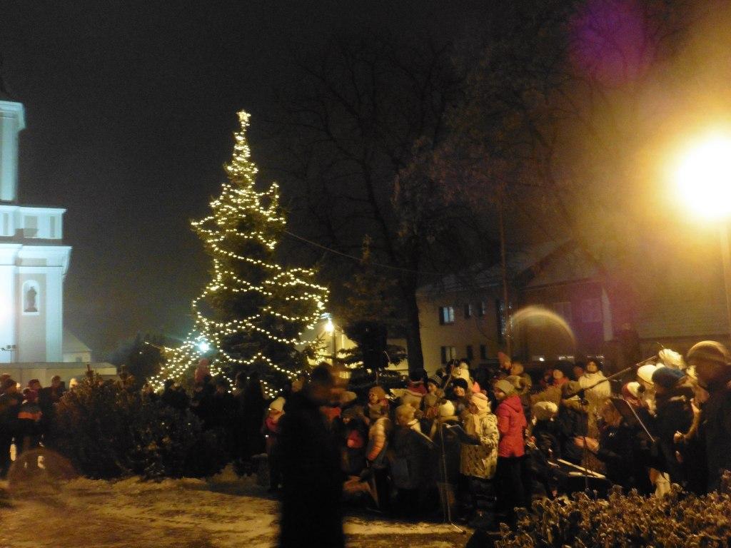 Rozsvěcení vánočního stromu 2018 11