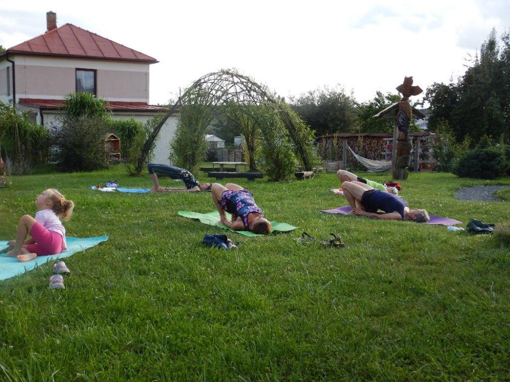 Prázdninové cvičení jógy s Danielou 15