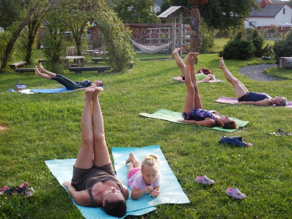 Prázdninové cvičení jógy s Danielou 20